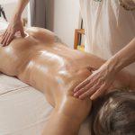 massage ayurvédique, massage du dos, Massage Himalaya, Douleurs dorsales, Mal au dos